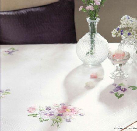 Tavaszi virágcsokor  - előfestett asztalterítő