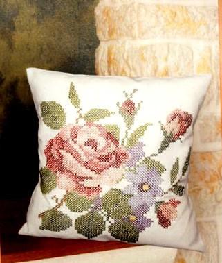 Rózsás - előfestett keresztszemes párna