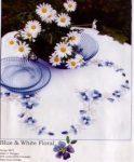 Kék-fehér virágok - előfestett asztalterítő