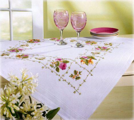 Körös körül virágok - előfestett asztalterítő