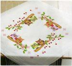 Baglyok cseresznyefa ágon - előfestett keresztszemes terítő