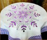 Lila virág - előfestett asztalterítő