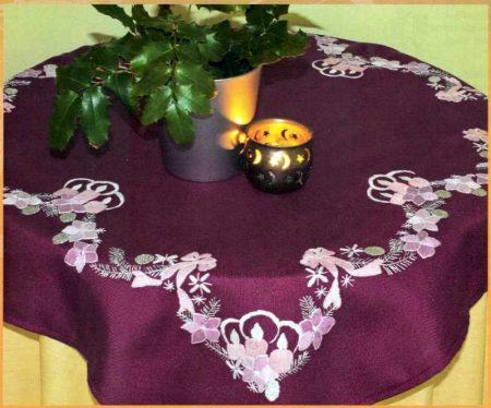 Karácsonyi gyertyák előfestett lila asztalterítő készlet