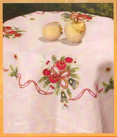 Karácsonyi fenyőág - előfestett asztalterítő