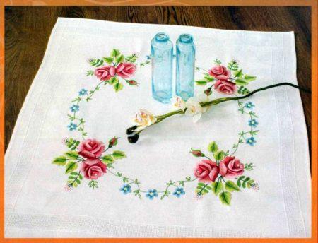 Rózsák - előfestett terítő