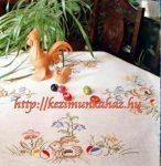 Nyuszi ül a virágok között - előfestett keresztszemes asztalterítő