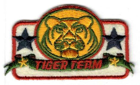 Tiger team - ruhára vasalható textil matrica