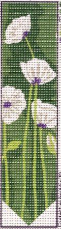 Fehér virágok- pipacsok- előnyomott gobelin könyvjelző