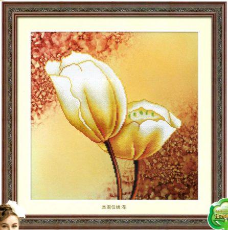 Fehér virág - előfestett keresztszemes kép készlet